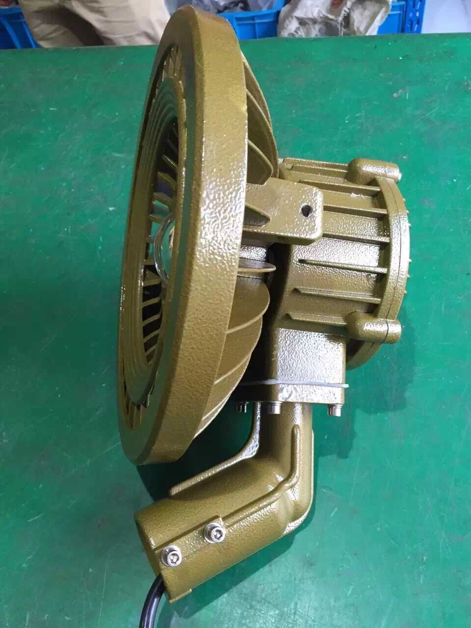 200瓦6米双灯头LED防爆路灯参数