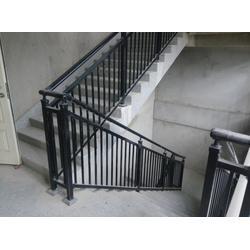 徐州楼梯扶手厂家-八方钢构样板楼梯扶手